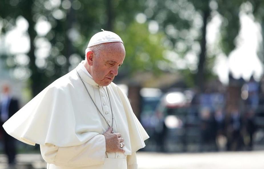 Papież Franciszek: to jest wróg, wirus, z którym trzeba walczyć. Inaczej będziemy sparaliżowani