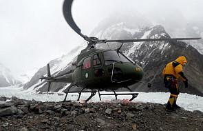 Wyprawa na K2: pogoda nadal uniemożliwia powrót kolegów do bazy