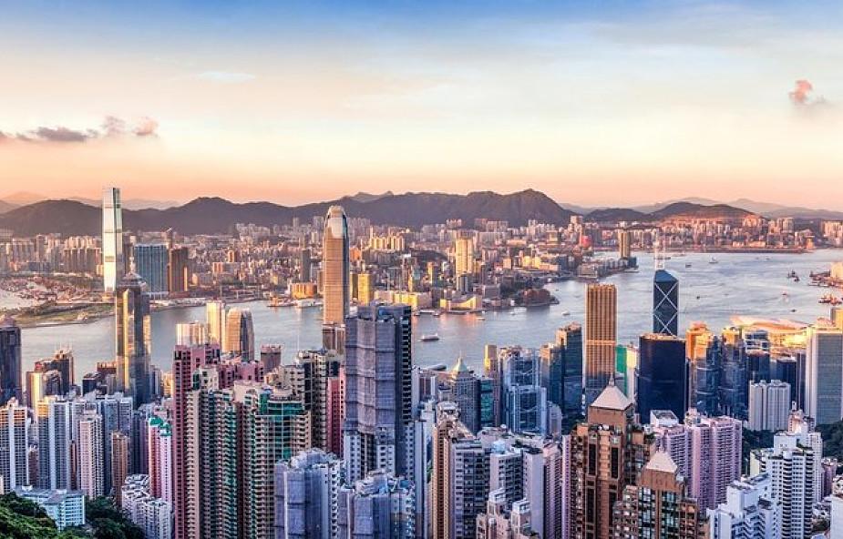 Chiny zakazały importu części odpadów; Hongkong tonie w śmieciach