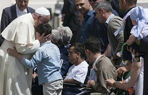 Papież Franciszek: konieczna jest współpraca szkoły z rodzicami