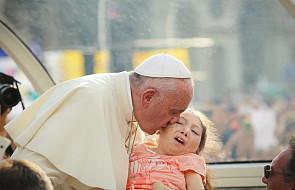 Papież złożył niezapowiedzianą wizytę w szpitalu dziecięcym pod Rzymem