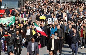 Iran: sesja parlamentu na temat zamieszek; protesty nie ustają