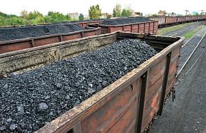 Śląsk: złodzieje zatrzymali pociąg, by ukraść węgiel. Wysypali ok. 100 ton i zablokowali ruch