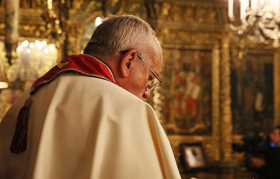 Franciszek przyjął rezygnację ważnego kardynała. Zarzuca mu siętuszowanie przypadków pedofilii
