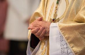 Zdymisjonowany kardynał przeprosił za błędy z przeszłości