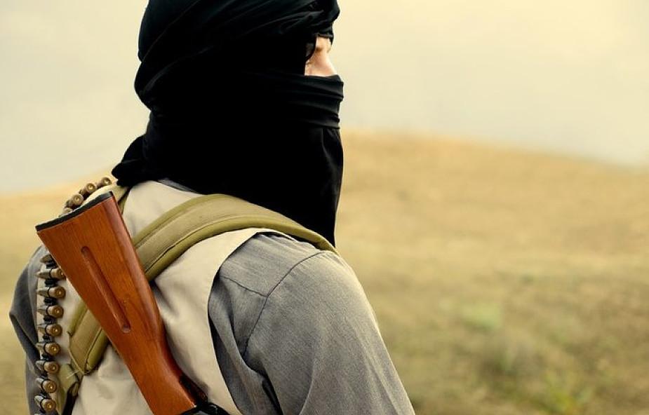 Afganistan: Talibowie zabili co najmniej 22 członków sił bezpieczeństwa, doszło tam do eksplozji motocykla