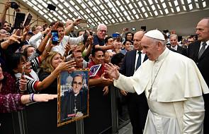 Młody Irakijczyk zwrócił uwagę na siebie, gdy przemawiał na Synodzie. Papież zaprosił go do domu