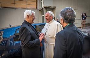 """Generał jezuitów: papież nie jest """"przywódcą Kościoła"""". Dlaczego powiedział takie słowa?"""