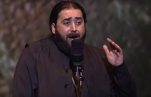 Ojciec Serafin śpiewa dla prześladowanych chrześcijan. Mamy ciarki [MUZYKA]