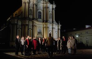 Muzyczny hołd złożony Janowi Pawłowi II i przepiękna modlitwa o pokój [MUZYKA]