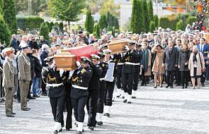 Gdynia: rozpoczął się pogrzeb adm. Józefa Unruga i jego żony Zofii