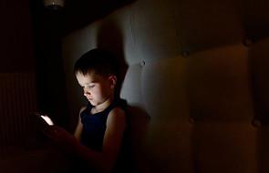 CBOS: Polacy obawiają się bardziej niż wcześniej internetowych zagrożeń dla dzieci