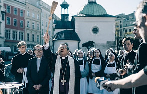 """Jezuita o tym, czy iść na """"Kler"""" i o tym, co można z tym filmem zrobić"""