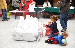 PKW: frekwencja w wyborach samorządowych do godz. 17 wyniosła 41,65 proc.