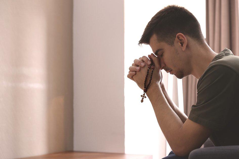 10 powodów, dla których NIE WARTO modlić się na różańcu - zdjęcie w treści artykułu nr 2