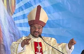 Nie żyje ksiądz, który zeznawał w sprawie oskarżonego o gwałt biskupa