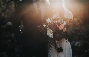 Czy seks przed ślubem czyni małżeństwo bardziej szczęśliwym? Są nowe badania