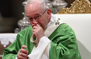 """Franciszek na """"Anioł Pański"""": obrady synodu czasem """"pociechy i nadziei"""" [DOKUMENTACJA]"""