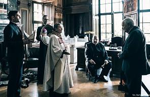 """Twórca """"Kleru"""": wpływowy biskup rozpoznał siebie w jednej z postaci"""