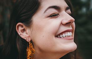Wiesz o tym, że śmiech wydłuża życie? Poznaj 3 powody, dla których warto się śmiać