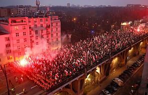 """Tysiące biało-czerwonych flag na marszu """"Dla Ciebie Polsko"""""""