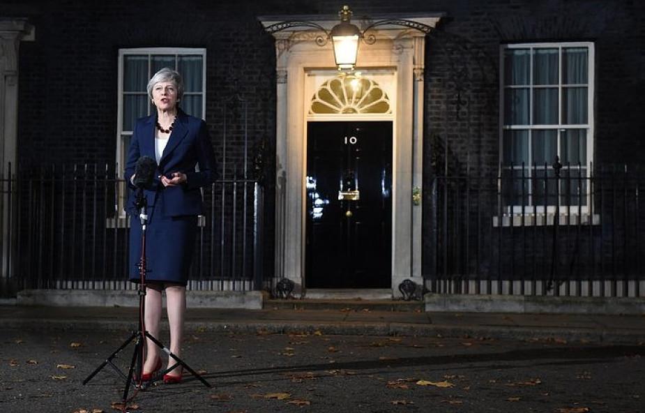 """""""Wall Street Journal"""" o projekcie Brexitu: najlepszą ze złych opcji jest teraz zaakceptować plan May z jego wszystkimi wadami"""