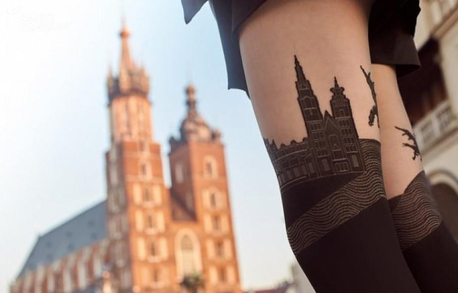 Rajstopy z wizerunkiem Bazyliki Mariackiej budzą kontrowersje. Sprawę zgłoszono do krakowskiej kurii