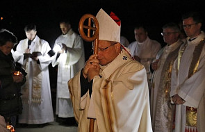 Łódź: abp Ryś modlił się na cmentarzu za ludzi zmarłych w samotności i bezdomnych