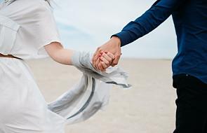 Znaleźli żonę i męża dzięki modlitwie. Tych świętych prosili o pomoc, odmawiali takie modlitwy