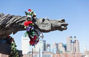 """USA: odrestaurowany pomnik polskiego rzeźbiarza """"Partyzanci"""", usunięty z 1983 roku, ponownie stanął w Bostonie"""
