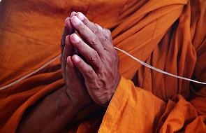 Wietnam: ponad 90-letni niepełnosprawny mnich wrócił z wygnania do kraju, ale nadal jest śledzony