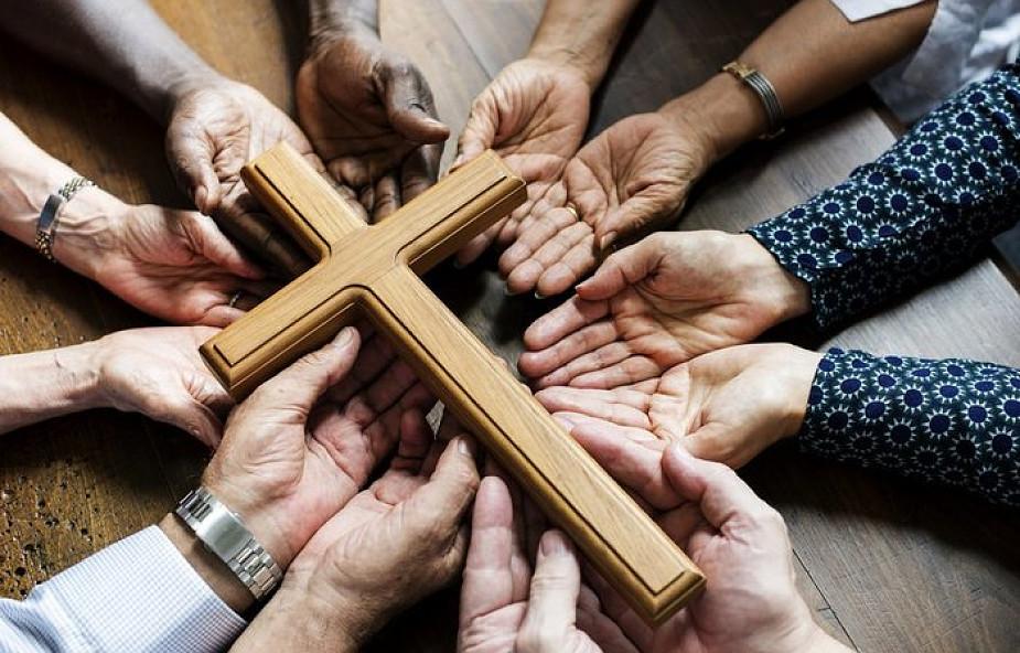 Kiedy wspólnota parafialna staje się niebezpieczna?