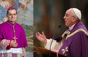 """Ten biskup odpowiedział na apel papieża. Otworzył swój dom dla migrantów i bezdomnych. """"To niezwykły widok"""""""