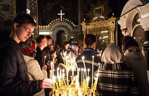 W prawosławiu dzisiaj przypada tradycyjny dzień wspominania zmarłych, tzw. rodzicielska sobota. Ludzie odwiedzają cmentarze