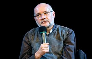 Ks. Andrzej Draguła: takie przedmioty w czasie Mszy rozpraszają uwagę