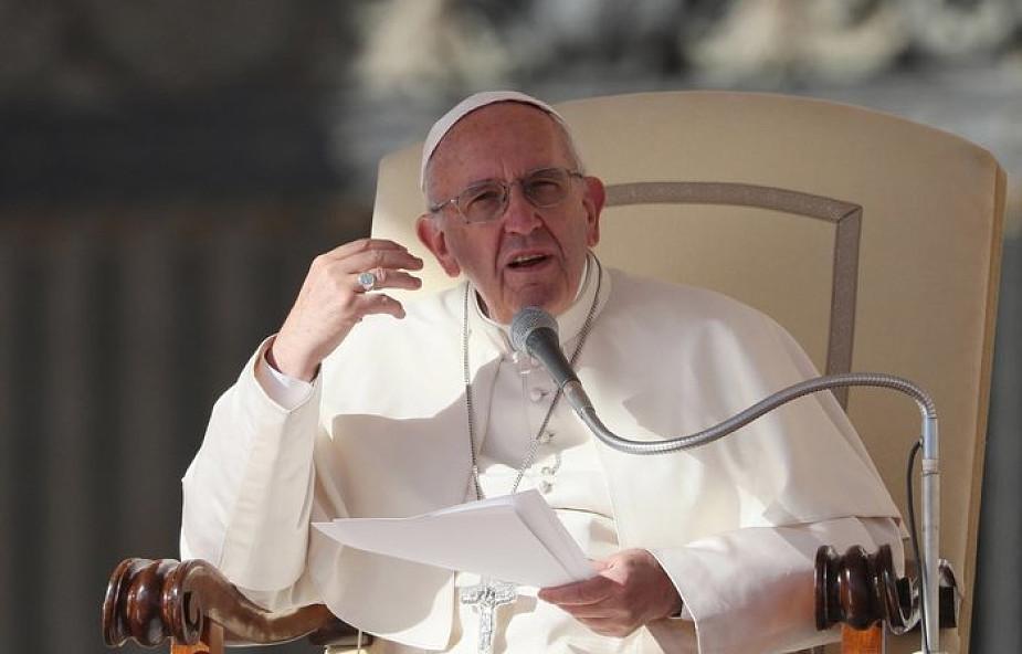 Franciszek: takie osoby nadają społeczeństwu ludzkie i chrześcijańskie oblicze