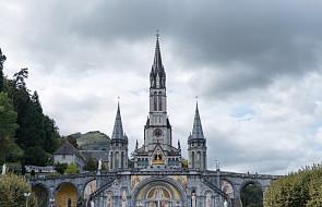 Francja: ofiary nadużyć seksualnych zaproszone na posiedzenie episkopatu