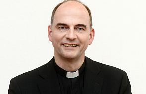 Niemiecki biskup: nie mam problemu z księżmi-homoseksualistami
