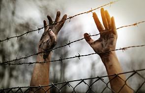 """""""Uciekłem przed wojną, aby czuć się bezpiecznie, a teraz mieszkam w namiocie"""". Uchodźcy w Szwecji stracili mieszkania"""