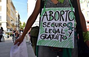 """Jeden z ostatnich krajów w Europie chce zalegalizować aborcję. """"Kościół grozi destabilizacją"""""""