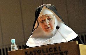 """""""Słuchaj"""" znaczy najpierw """"zamilknij"""". Siostra Borkowska o tajemnicy dobrego życia"""