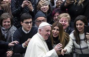 """Papież do młodych: bądźcie """"kanałami"""" dobroci i akceptacji"""