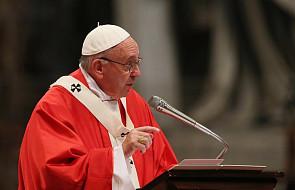 Papież Franciszek wskazuje, jak łatwo można poprawić atmosferę w domu i pracy