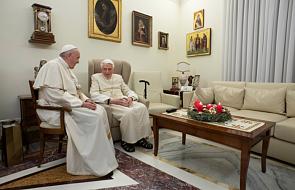 Watykan opublikował najnowsze zdjęcia Benedykta XVI z Franciszkiem [FOTO]