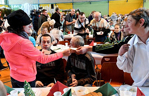 Caritas organizuje wigilię dla ubogich i bezdomnych, którym brakuje bliskości, rodziny i świątecznego stołu, w 24 miastach