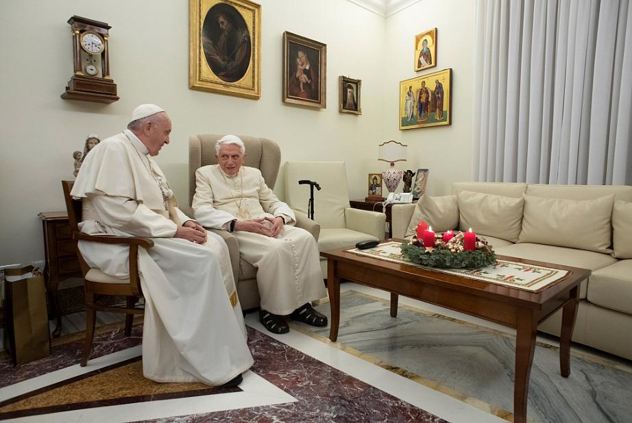 Watykan opublikował najnowsze zdjęcia Benedykta XVI z Franciszkiem [FOTO] - zdjęcie w treści artykułu nr 2