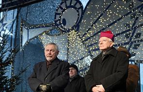 Prezydent Krakowa i metropolita krakowski złożyli mieszkańcom życzenia na Rynku Głównym