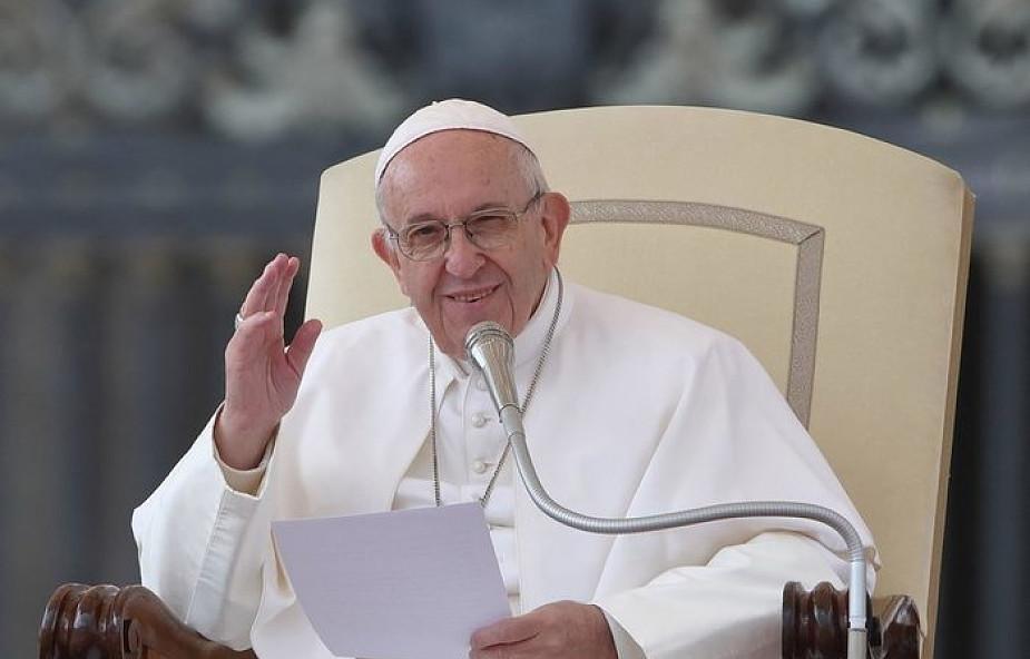 """W Warszawie zaprezentowano książkę """"Siła powołania"""", wywiad z papieżem Franciszkiem"""