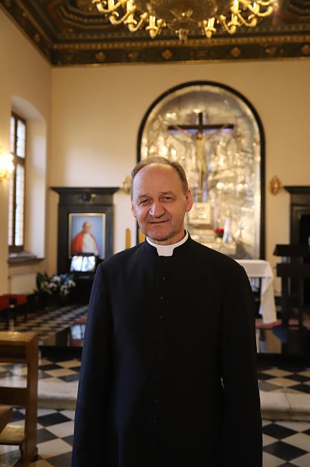 Kim są nowi biskupi krakowscy? Proszą o modlitwę i pragną służyć ludziom - zdjęcie w treści artykułu