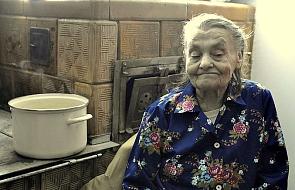 Prosiła o chustkę i drewno na opał, a oni w 6 dni wybudowali jej nowy dom [ZDJĘCIA]